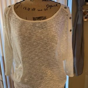Ivory scalloped 3/4 sleeve sweater